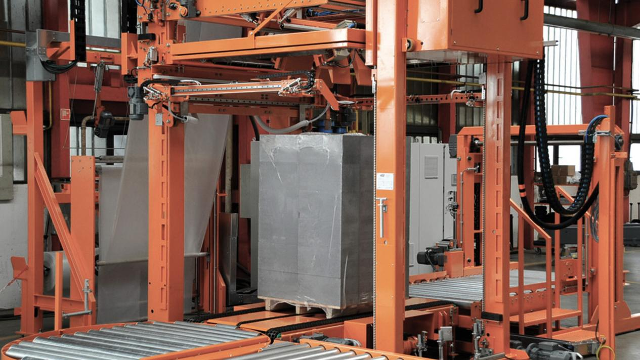 Pallets Shrink Wrapping system for sharp-edged building materials without steel strapping