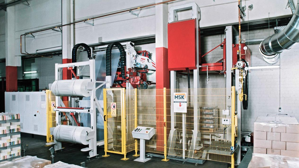 Picture: MSK shrinking frame for packaging paper and cardboard, allows a safe pallets to shrink for heavy loads